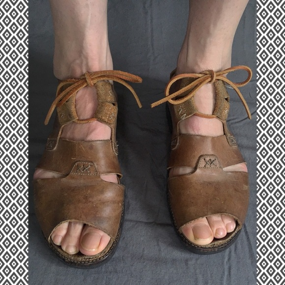 c7cc72677ac Naot Gladiator Lace-up Sandals